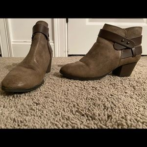 Size 8 Ankle Booties!